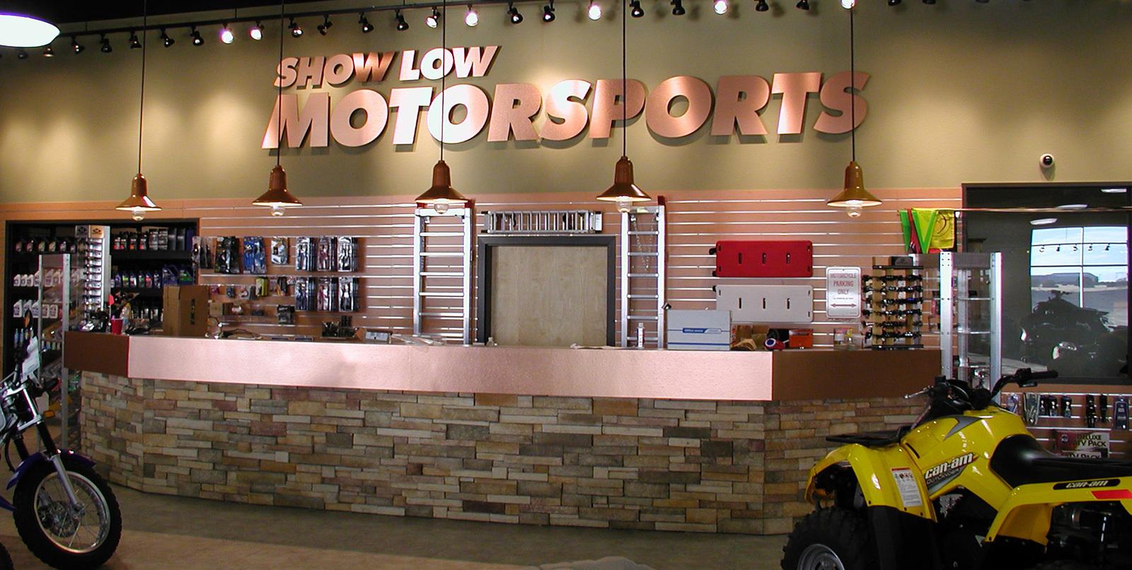 Showlow C